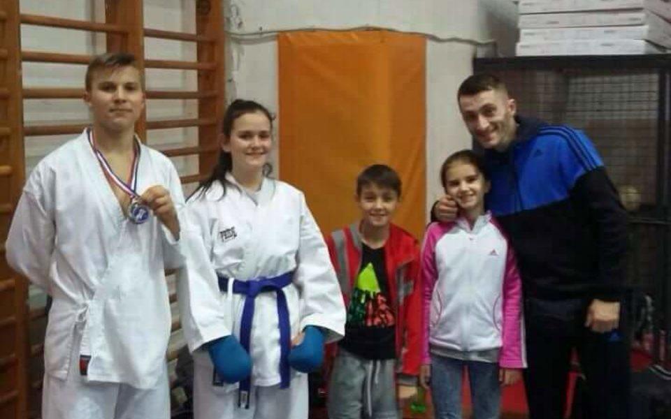 http://huknet1.hr/wp-content/uploads/2017/02/Karate-klub-Knin-960x600_c.jpg