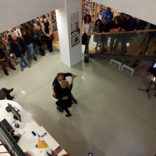 Gužva u knjižnici: Ples ljubavi, zvuci drevnog perzijskog tara i snaga Borgesovih riječigall-0