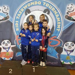 Sedam medalja Divovaca u Karlovcugall-0