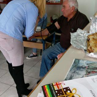 Foto: U Kninu mjerenjem tlaka, tjelesnog indeksa i šećera u krvi obilježen Svjetski dan šećerne bolestigall-2
