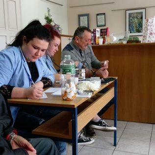 Foto: U Kninu mjerenjem tlaka, tjelesnog indeksa i šećera u krvi obilježen Svjetski dan šećerne bolestigall-5