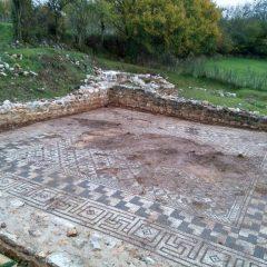 Foto: Kninski muzej završio ovogodišnju kampanju otkrivanja rimskog mozaika i konzervacije rimske vile u Orlićugall-0