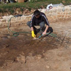 Foto: Kninski muzej završio ovogodišnju kampanju otkrivanja rimskog mozaika i konzervacije rimske vile u Orlićugall-10