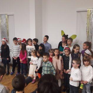 Čarobni svijet zabavio djecu u dvorani Studentskog domagall-2