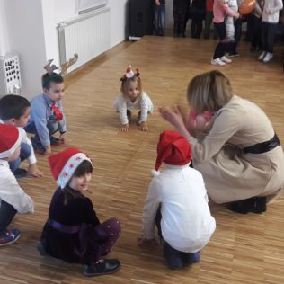Čarobni svijet zabavio djecu u dvorani Studentskog domagall-6