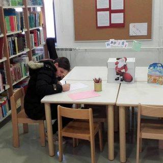 U knjižnici djeca mogu ostaviti pismo za Djeda Božićnjaka; Najkreativnije pismo bit će nagrađeno!gall-2