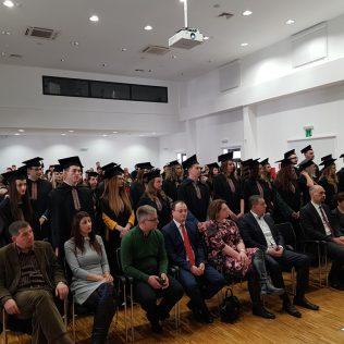 Svečano promovirano 37 prvostupnika i 15 stručnih specijalista kninskog Veleučilišta Marka Marulićagall-17
