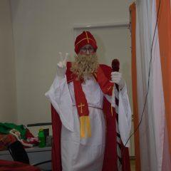 Foto: Sveti Nikola podijelio djeci darovegall-14