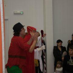 Foto: Sveti Nikola podijelio djeci darovegall-15
