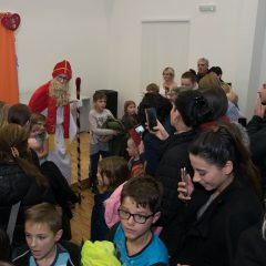 Foto: Sveti Nikola podijelio djeci darovegall-17