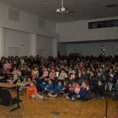 Foto: Sveti Nikola podijelio djeci darovegall-7