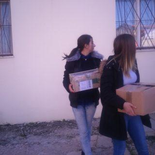 Učenici donirali hranu Pučkoj kuhinjigall-2