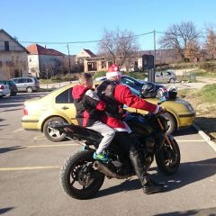 Bikeri iz MK Stormriders darivali djecu iz Svetog Bartolomejagall-3