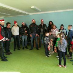 Bikeri iz MK Stormriders darivali djecu iz Svetog Bartolomejagall-10