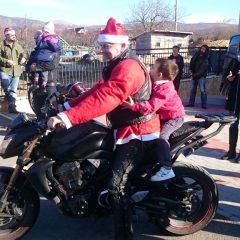 Bikeri iz MK Stormriders darivali djecu iz Svetog Bartolomejagall-5
