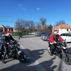 Bikeri iz MK Stormriders darivali djecu iz Svetog Bartolomejagall-8