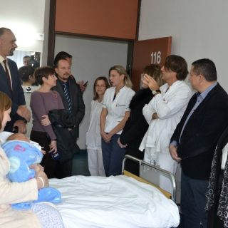 Zamjenici župana Blažević i Šimpraga i gradonačelnik Jelić posjetili jutros rodilištegall-2