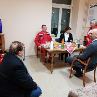 Gradonačelnik i suradnici u novogodišnjoj noći i jutru posjetili vatrogasce, policiju, hitnu, bolnicu, starački, rodilište…gall-1