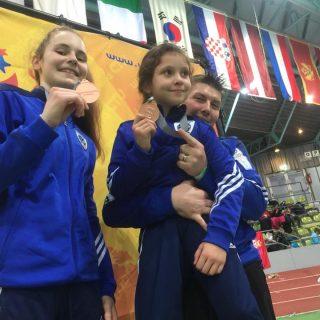 Petra Batić i Lorena Djak iz Taekwondo kluba DIV Knin osvojile brončane medalje na President kupu u Njemačkojgall-0
