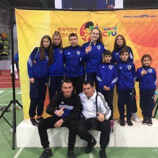 Petra Batić i Lorena Djak iz Taekwondo kluba DIV Knin osvojile brončane medalje na President kupu u Njemačkojgall-4