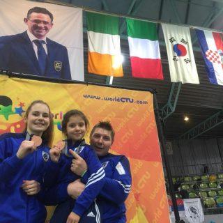 Petra Batić i Lorena Djak iz Taekwondo kluba DIV Knin osvojile brončane medalje na President kupu u Njemačkojgall-5