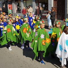 Veselje u gradu: Pogledajte 120 fotografija Dječje karnevalske povorkegall-15