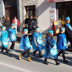 Veselje u gradu: Pogledajte 120 fotografija Dječje karnevalske povorkegall-36