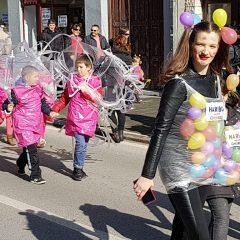 Veselje u gradu: Pogledajte 120 fotografija Dječje karnevalske povorkegall-45