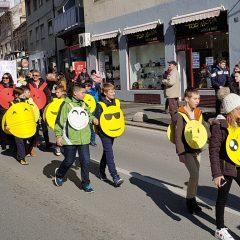 Veselje u gradu: Pogledajte 120 fotografija Dječje karnevalske povorkegall-66