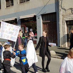Veselje u gradu: Pogledajte 120 fotografija Dječje karnevalske povorkegall-69