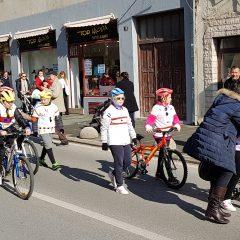 Veselje u gradu: Pogledajte 120 fotografija Dječje karnevalske povorkegall-76