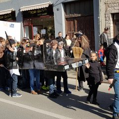 Veselje u gradu: Pogledajte 120 fotografija Dječje karnevalske povorkegall-88