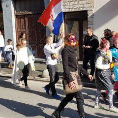Veselje u gradu: Pogledajte 120 fotografija Dječje karnevalske povorkegall-93