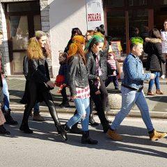 Veselje u gradu: Pogledajte 120 fotografija Dječje karnevalske povorkegall-106