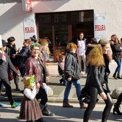 Veselje u gradu: Pogledajte 120 fotografija Dječje karnevalske povorkegall-108