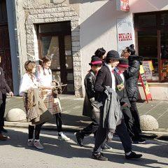 Veselje u gradu: Pogledajte 120 fotografija Dječje karnevalske povorkegall-109
