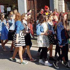 Veselje u gradu: Pogledajte 120 fotografija Dječje karnevalske povorkegall-112