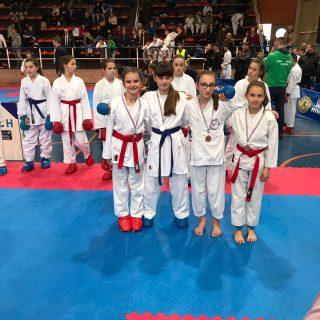 Srebro i bronca Ive Gašpar i bronca Marije Tucaković iz Karate kluba Knin na Delta Cupu u Rijecigall-1