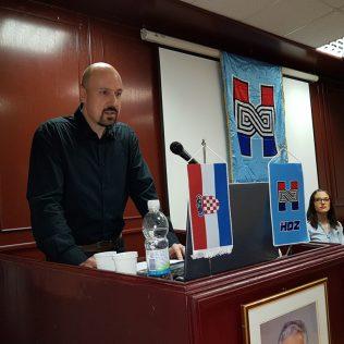 Robert Marić predstavio svoju kandidaturu za predsjednika i pozvao na zajedništvo u kninskom HDZ-ugall-1