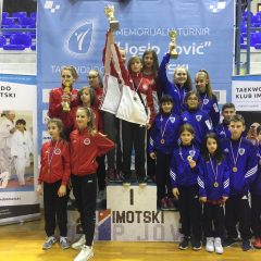 Divovcima u Imotskom treće ekipno mjesto u kadetskoj konkurenciji; Petra Batić i dalje nepobjedivagall-0