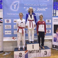 Divovcima u Imotskom treće ekipno mjesto u kadetskoj konkurenciji; Petra Batić i dalje nepobjedivagall-8
