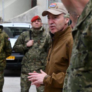 Na Crvenoj zemlji provedeno uvježbavanje hrvatskih i britanskih oružanih snagagall-3