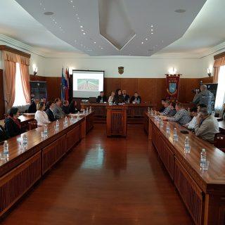 Janica Kostelić i Marko Jelić potpisali Sporazum vrijedan 1,5 milijuna kuna o sufinanciranju izgradnje 400-metarske atletske stazegall-4