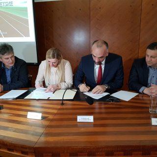 Janica Kostelić i Marko Jelić potpisali Sporazum vrijedan 1,5 milijuna kuna o sufinanciranju izgradnje 400-metarske atletske stazegall-1