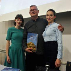"""Veliki foto izvještaj i video s promocije knjige """"2025 godina grada Knina""""gall-22"""