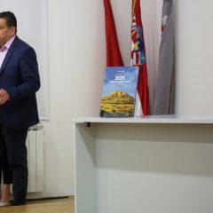 """Veliki foto izvještaj i video s promocije knjige """"2025 godina grada Knina""""gall-51"""