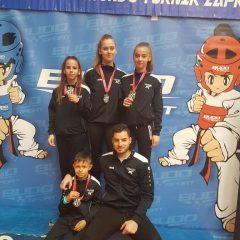 Kninski TK Olympic na Zaprešić Openu: Tri Jelićke – tri zlatagall-5