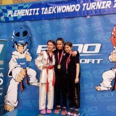 Kninski TK Olympic na Zaprešić Openu: Tri Jelićke – tri zlatagall-4