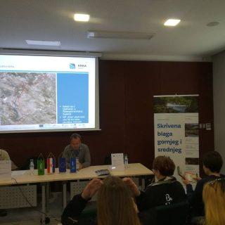 Učenici iz 9 zemalja EU na predstavljanju projekta Nepoznata Krka: skrivena blaga gornjeg  i srednjeg toka rijeke Krkegall-1