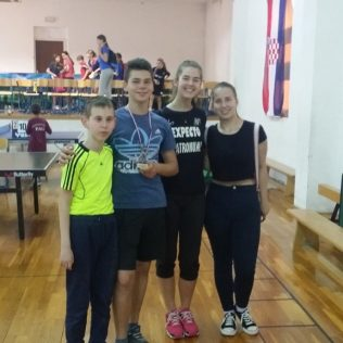 Toni Gambiroža najbolji junior na Stolnoteniskom turniru u Zatonugall-0